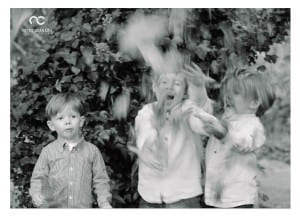 outdoor autumn portrait sessions- families in action